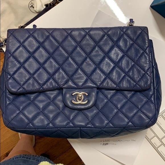 CHANEL Handbags - Chanel Lambskin jumbo single flap bag
